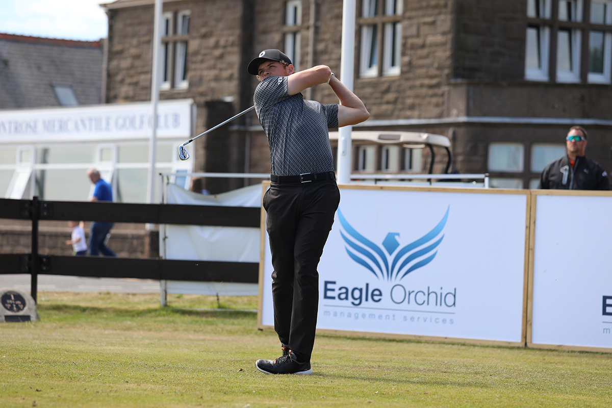 Five tied for the lead after day one at The Vale
