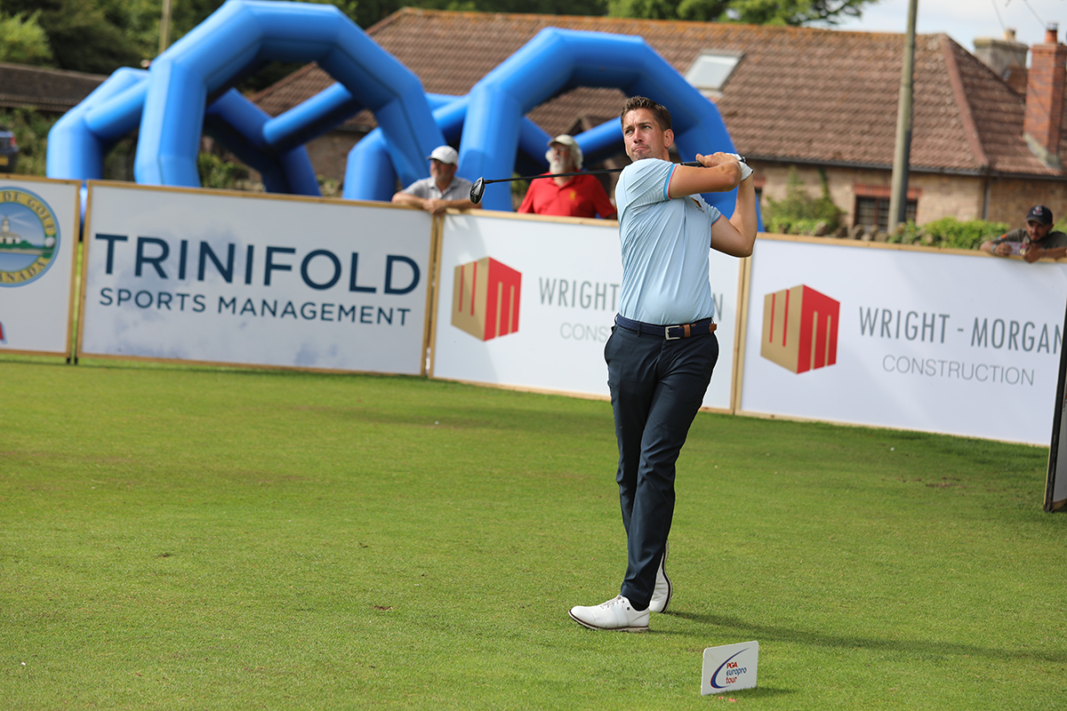 Mansell holds one shot advantage at Clevedon going into final day