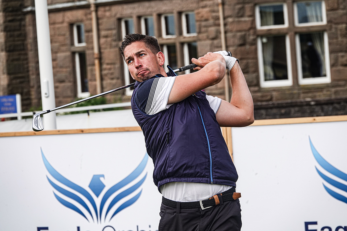 Mansell's course record sets early pace at Clevedon Golf Club