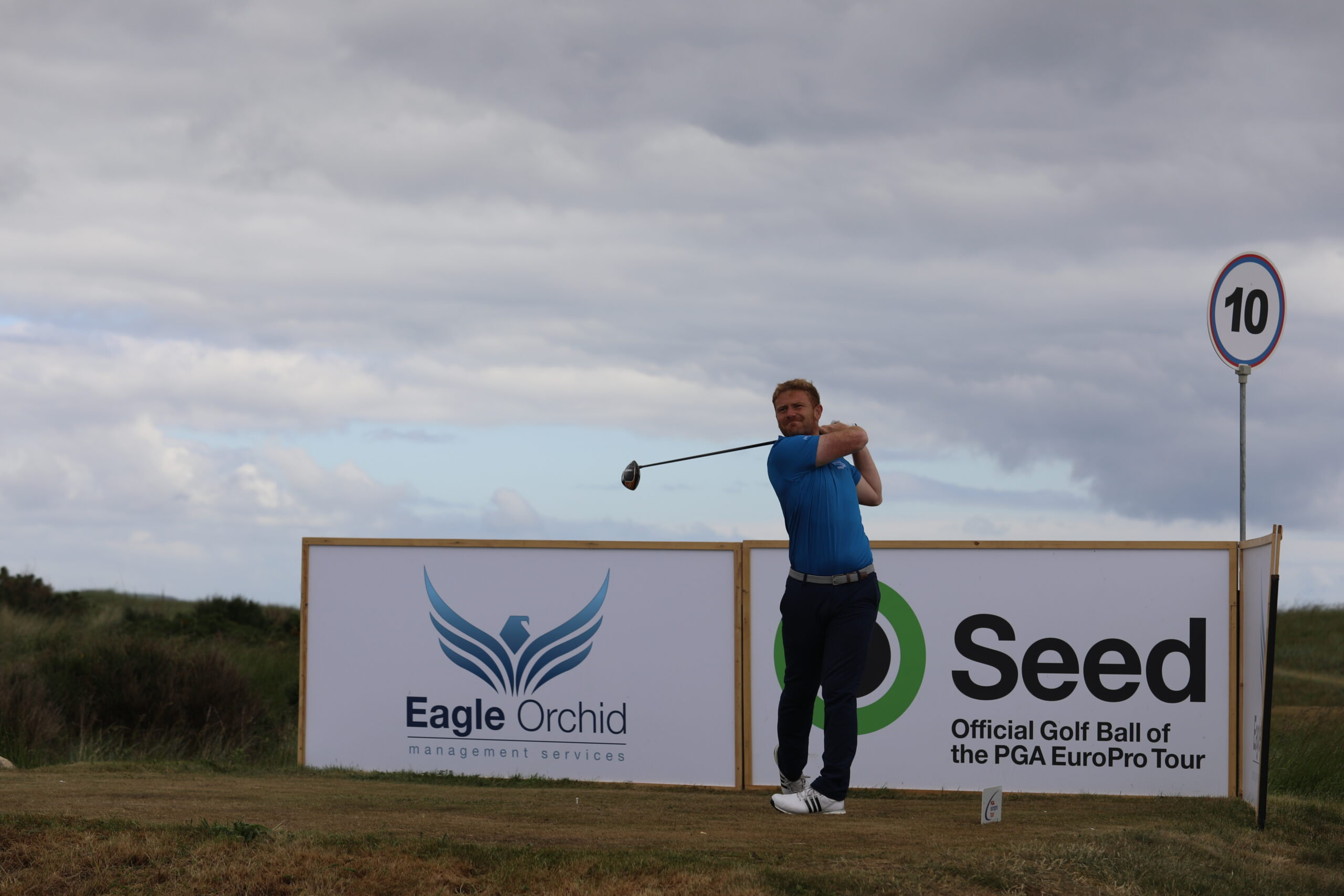 Lawrie holds one shot lead at East Sussex National on Day 1