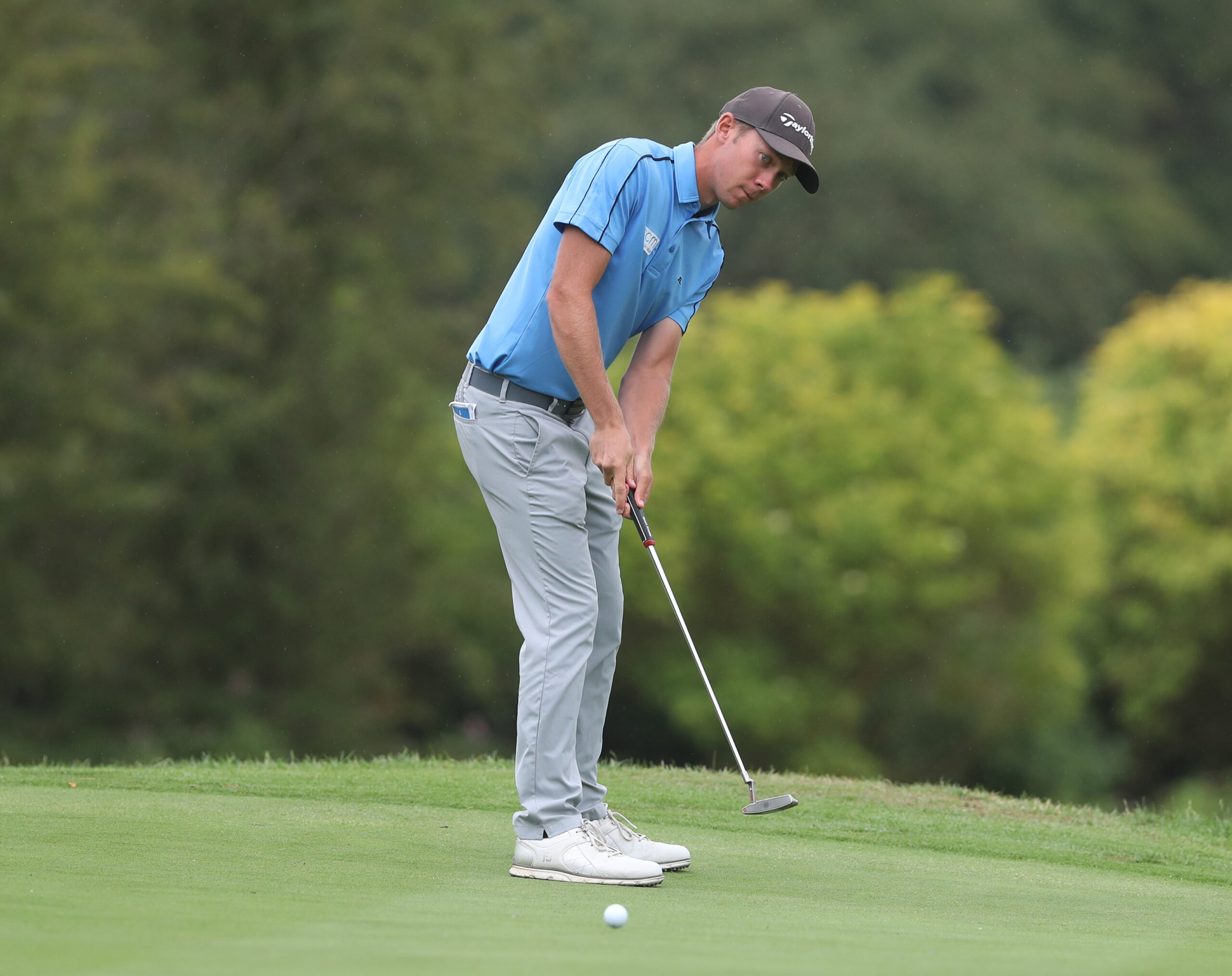 Josh Hilleard takes two shot lead at Studley Wood