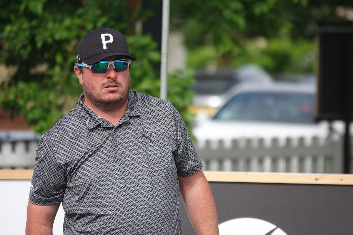 Brooks holds one shot lead at Clandeboye Golf Club